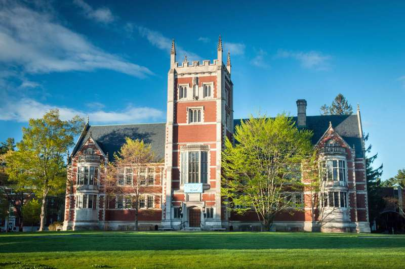 bowdoin college application essay Applying to bowdoin college this year check out the collegevine guide to writing unbeatable application essays for the 2016-2017 admissions cycle.
